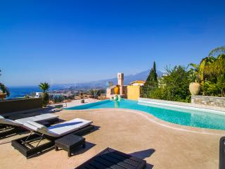 Beautiful Luxury Villa with Swimming Pool and Gym in Taormina - Villa Amerigo