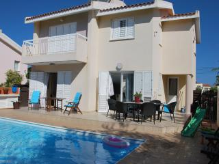 Sun and Sand luxurious Beach Villa, Protaras