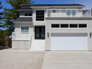 Luxurious Beach Front Property, Wasaga Beach