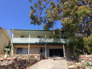 Whitwick Sands - house near the beach, Shoal Bay
