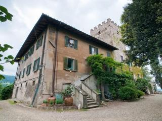 Family Medieval Watchtower near Florence, Bagno a Ripoli