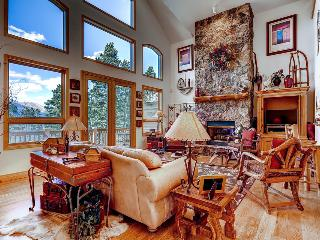 Game room, free shuttle, ski area views! (game room, free shuttle, ski area views) - Mountain High Retreat, Breckenridge