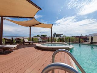 Comfy Flat with Jacuzzi and swimming pool H104B, Playa del Carmen