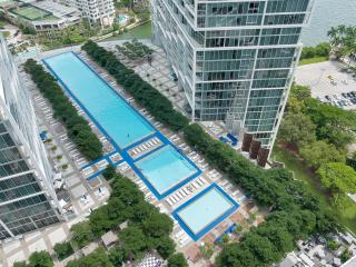 Luxurious 1/1 in Icon-Viceroy in beautiful Downtown Brickell!, Miami
