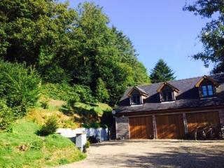 Holiday  Apartment with private Hot Tub, Cenarth