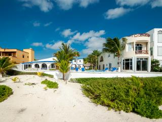 Private beachfront property with 4 rental units, Puerto Morelos
