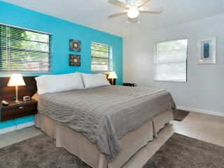 Audrey Place Unit 3 Bright 600sf 1BR/1BA apt, Wilton Manors