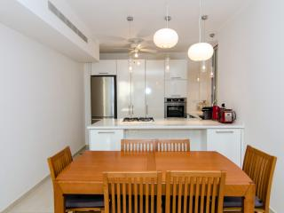Pinsker - New 2 Bedroom Apt - (Bograshov Beach), Tel Aviv