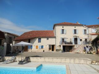 Large farmhouse in Roquecor, in South West France, Montaigu-de-Quercy