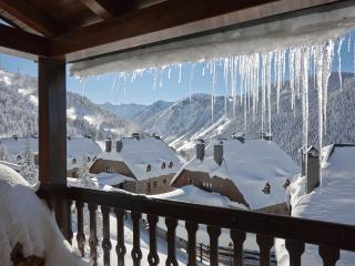 Nin de Beret 3 Apartment  -  Right at the slopes, Baqueira