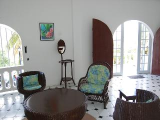 Top Of The World - 2 Bedroom Apt With Pool Access, Castries