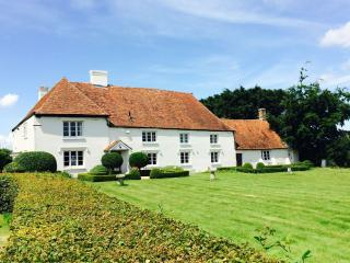 Paramour Grange a listed country house for rent, Canterbury