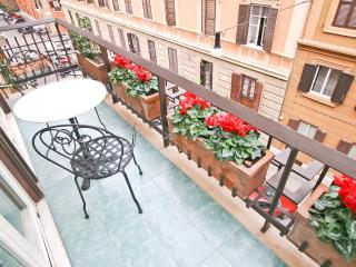 Domus Priora Balcony Apartment, Rome