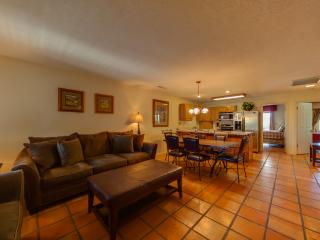 Beautiful and Relaxing 3 Bedroom / 2 Bath Condo - Italian Style. Full Resort Access Included!, St. George