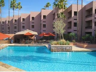Scottsdale: 6 Room Golf & Lake Villa Resort Villa, Arizona City