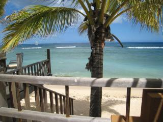 Tamarin: Charming Bungalow , easy access to beach