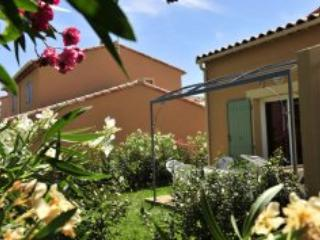 Mas des Arenes 3 Bedroom House in Mouries
