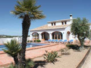 Finca Pepa villa with splendid view of countryside, Teulada