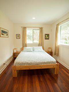 Third bedroom, with a queen size bed
