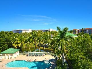 Tierra Bomba #403 - 2/2 Condo w/ Pool & Hot Tub - Near Smathers Beach, Key West