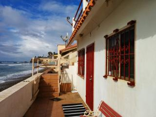 Breathtaking Oceanfront with Hot Tub/Jacuzzi, Puerto Nuevo