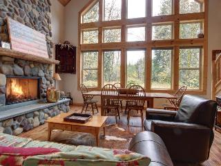 Pet-friendly riverfront rental with two acres and a hot tub!, Rhododendron