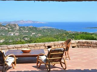 VILLA Arielle - Swimming Pool - Ocean View, Baia Sardinia