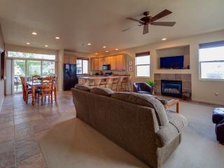 Pure Relaxation - Executive Suite 2 Bedroom Las Palmas Condo. Unlimited Resort Amenities Access., St. George