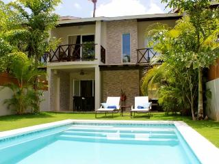 LOW RATES close to beach and town! Sleeps 6 person, Las Terrenas