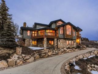 White Oak Haven in the Solamere Community at Deer Valley Resort with Private Hot Tub, Park City