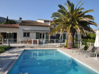 LOVELY FAMILY VILLA W/ LOTS OF CHARACTER., Tourrettes-sur-Loup