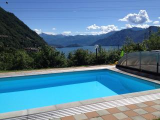 Garden Apt with pool 2 bedrooms sleep up to 6, Argegno