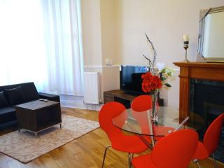 Holiday apartment with balcony  in central London