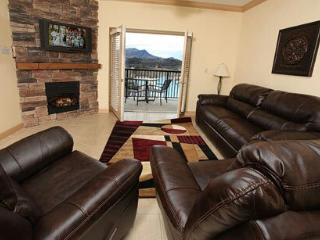 Lisas Mtn Blessing $69-109 Mtn View w Leather, Pigeon Forge