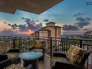 (((Oceanviews))) beachfront luxury condo ***Lowest Rates*****Wifi and Parking Included!, Kapolei