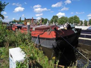 Luxurious houseboat on the river Amstel - Avontuur, Amsterdam