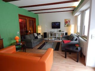 Vacation Apartment in Koblenz - 1615 sqft, newly remodeled, spacious, WiFi (# 153), Coblença