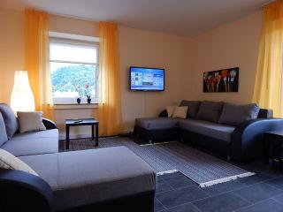 Vacation Apartment in Koblenz - 969 sqft, quiet, central, comfortable (# 4990), Coblenza