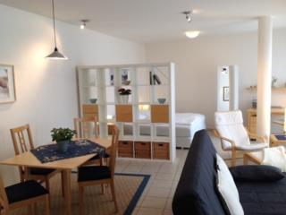 Vacation Apartment in Potsdam - 431 sqft, central, quiet, comfortable (# 5421)