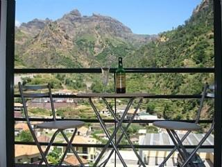 Mountain House - En Suite Double Room &  Balcony, Ribeira Brava