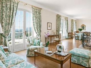 Villa Ponan at Château Saint-Martin offers Relaxation & Privacy with Great Views, Vence