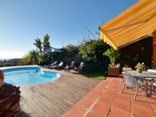 Nice house with private pool and  fantastic views, Barcelona