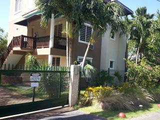 Walk to the Beach! Two Bedroom Home- Shack's Beach, Aguadilla