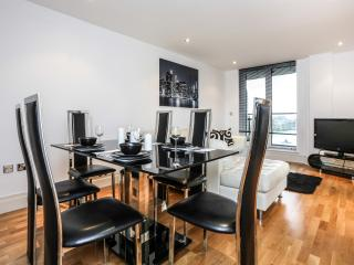 Luxury Two Bedroom In Chelsea Harbour, Londres