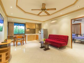 (I359) 2 bedrooms apartment (10 adults), Patong
