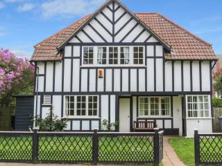 8 Whinlands, Thorpeness