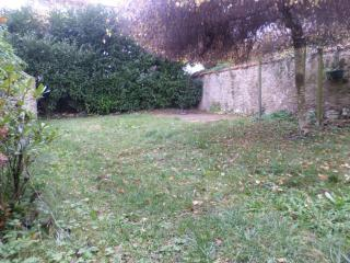 In neighborhood quiet, nice apartment with garden, La Celle-les-Bordes