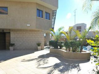 5 B/R family vacation home, Eilat