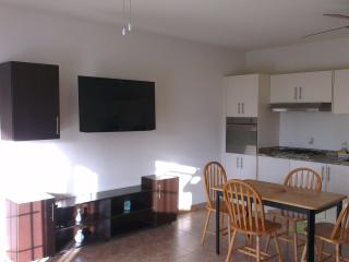 Large Ground Floor one bed Villa, Maxwell