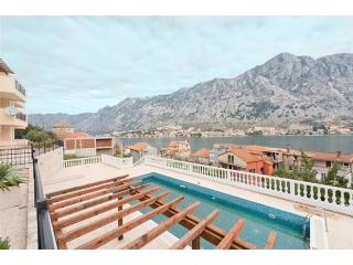 Kotor View Two Bedrooms, Muo
